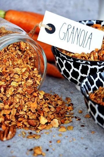 Rezept Carrot-Cake-Granola. Da hüpft der Osterhase - und das Frühstücksherz!