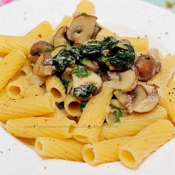 Rezept Champignon Spinat Sauce mit Pasta