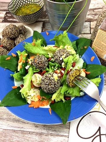 Rezept Chia Falafel mit Frühlingssalat