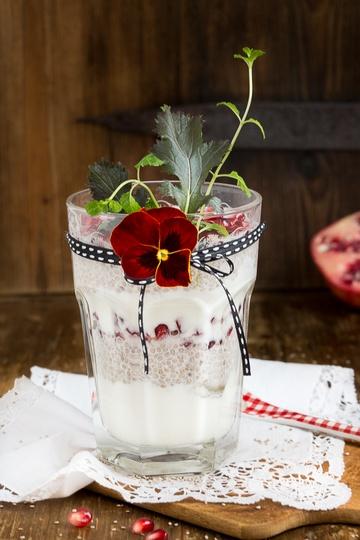 Rezept Chia-Joghurt mit Granatapfelkernen
