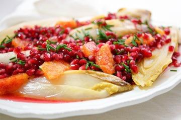 Rezept Chicorée gebraten mit Blutorange und Granatapfelkernen