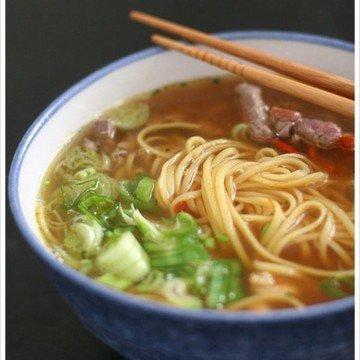 Rezept chinesiche Nudelsuppe mit Rindfleisch und Garnelen