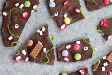 Rezept CHOCOLATE BARK AUS HALLOWEEN RESTEN