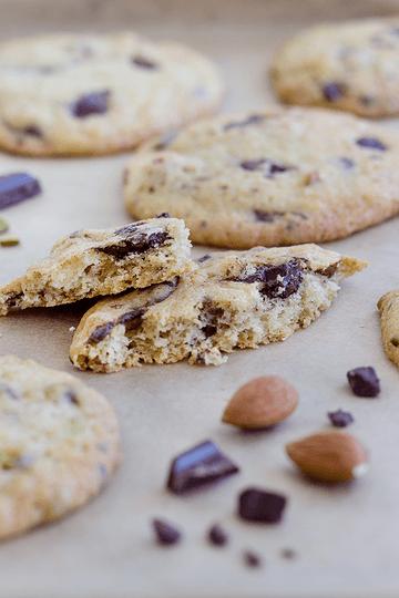Rezept Chocolate Chunk Cookies mit Pistazien & Mandeln