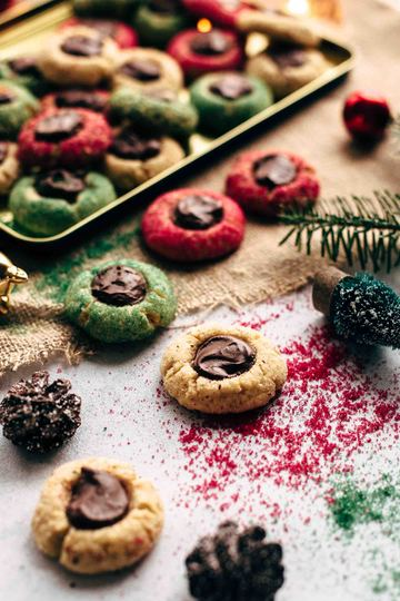 Rezept CHRISTMAS THUMBPRINT COOKIES