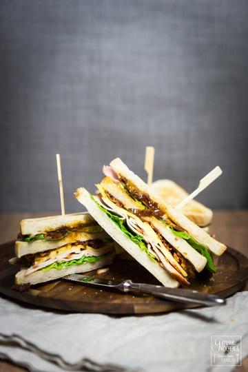 Rezept Club-Sandwich deluxe mit Tomatenchutney