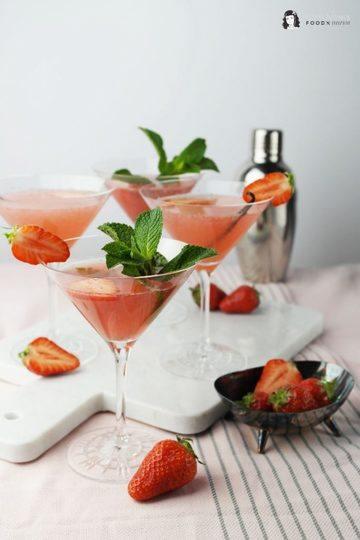 Rezept Cocktail-Klassiker: Erdbeer-Cosmopolitan mit Vanille oder Minze