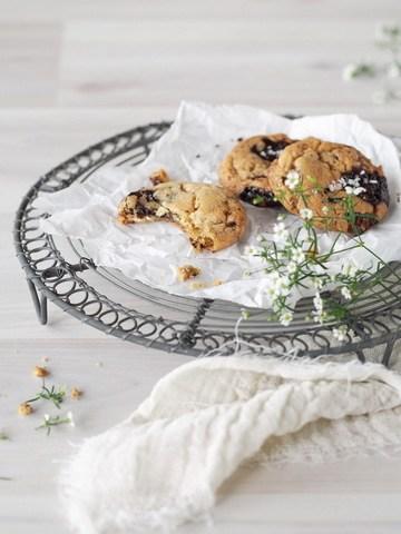 Rezept Cookies mit dreierlei Schokolade und Meersalz