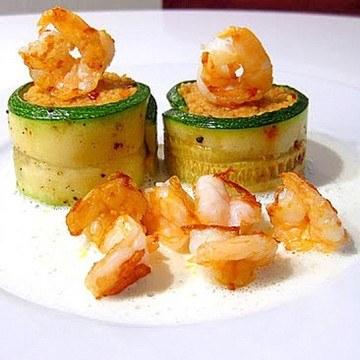 Rezept Couscous im Zucchiniröllchen