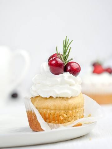 Rezept Cranberry Cupcakes – das perfekte Weihnachtsdessert