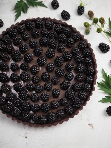 Rezept Cremige Schokoladentarte mit Brombeeren