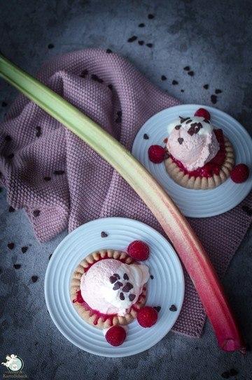 Rezept cremiges Rhabarber-Joghurt-Eis