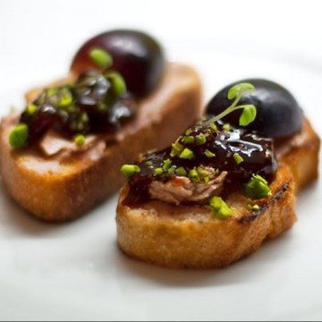 Rezept Crostini mit Foie Gras, Traube, Feigenconfit
