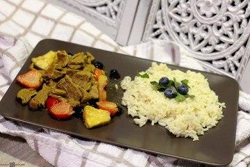 Rezept Currygeschnetzeltes mit Blau- und Erdbeeren