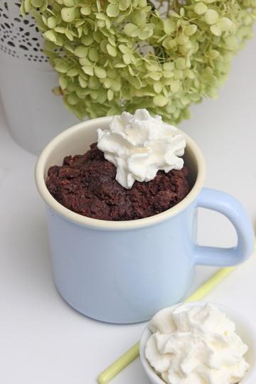 Rezept Der saftigste Keto-Schokoladen-Tassenkuchen in nur 4 Minuten!