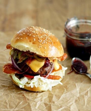 Rezept Dry-aged Burger mit Zwiebelconfit