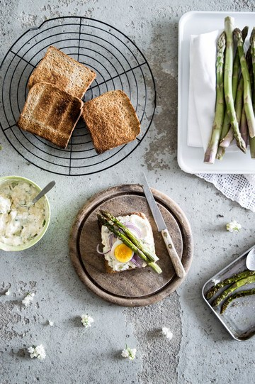 Rezept Eiersalat mit Spargel auf Toast