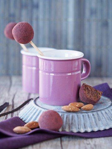 Rezept Energiebällchen mit Kirschen, Mandeln und Vanille