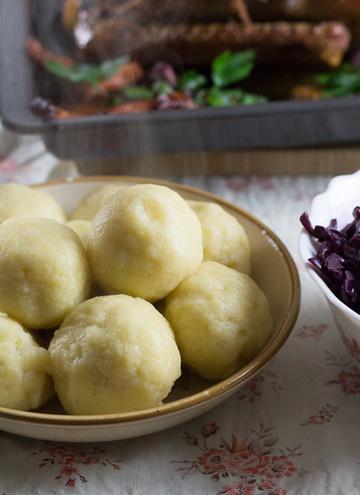 Rezept Erdäpfelknödel selber machen (Kartoffelklöße)