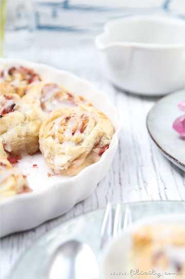 Rezept Erdbeer-Blätterteig-Schnecken mit Pistazien-Frischkäse