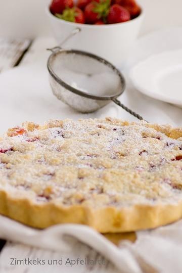 Rezept Erdbeer-Cheesecake-Pie mit Zitrusstreuseln