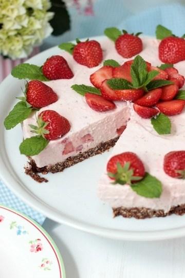 Rezept Erdbeer-Minz-Torte mit Müsliboden