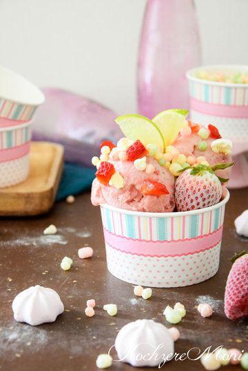 Rezept Erdbeer Nicecream mit bunten Puffreiskügelchen