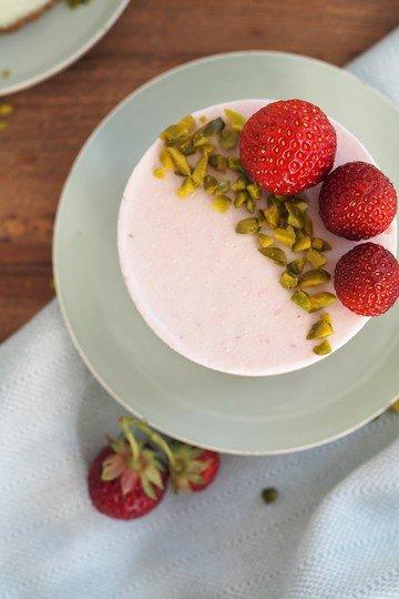 Rezept Erdbeer-Pistazien-Eistörtchen