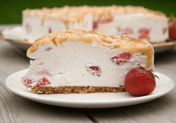 Rezept Erdbeer-Quark-Torte mit Karamell (no bake)
