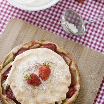 Rezept Erdbeer-Rhabarber-Kuchen mit Baiserhaube