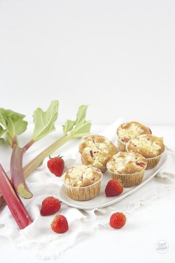Rezept Erdbeer Rhabarber Muffins mit Streusel