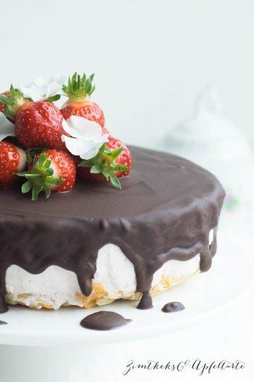 Rezept Erdbeer-Ricotta-Törtchen mit Knusperboden und Schokotopping