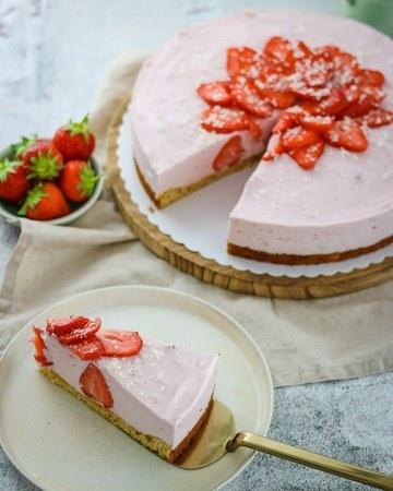 Rezept Erdbeeren-Buttermilch Torte