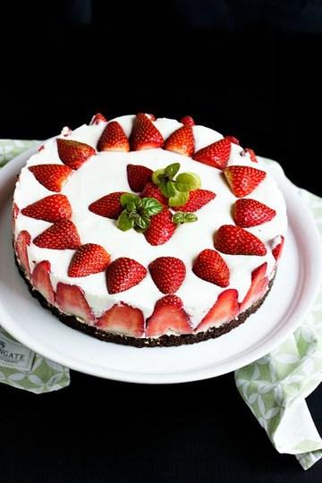 Rezept Erdbeertorte mit Vanille-Skyr-Quark Creme