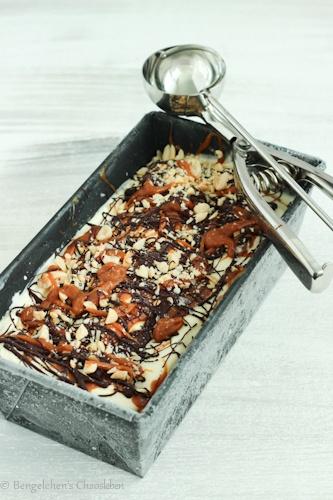 Rezept Erdnuss-Karamell-Eis mit Schokolade (ohne Ei)
