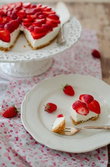 Rezept Erfrischender Erdbeer-Holunderblüten-Cheesecake