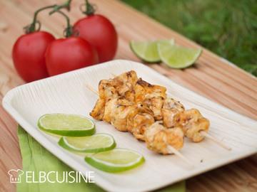 Rezept Exotische Capirinha-Spieße bitten mit frischer Avocado-Tomaten-Salsa zu Tisch – herrliches Grillvergnügen