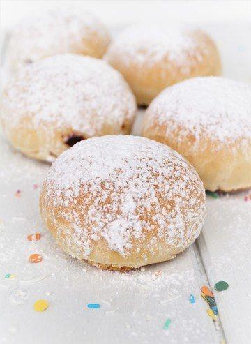 Rezept Faschingskrapfen / Ofenkrapfen / süßes Frühstücksbrötchen mit Haselnuss