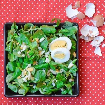 Rezept Feldsalat mit Eier-Dressing