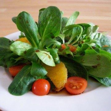Rezept Feldsalat mit Orangen-Balsamico-Vinaigrette