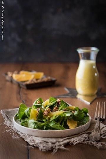 Rezept Feldsalat mit Orangenvinaigrette und karamellisierten Walnüssen