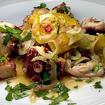 Rezept Fenchel-Oktopus-Salat mit Orangen und Kreuzkümmel-Teriyaki-Vinaigrette