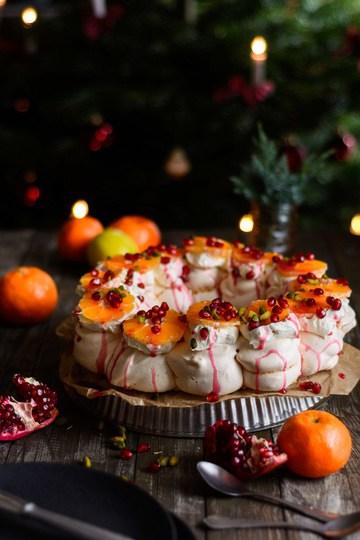 Rezept Festlicher Baiserkranz mit Crème Double, Granatapfel und Mandarinen