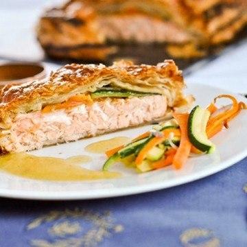 Rezept Feuilleté saumon, petits légumes et sauce à l'estragon