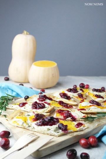 Rezept flammkuchen mit butternut-kürbis, ziegenkäse und cranberry soße