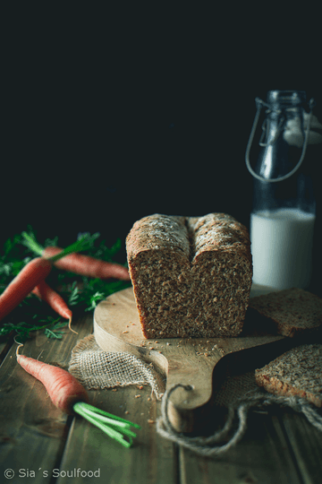 Rezept Frühlings-Vollkornbrot mit Möhren und Samen