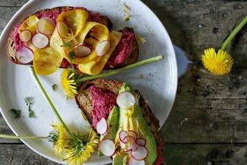 Rezept Frühlinsstulle mit Zucchini und Rote Bete