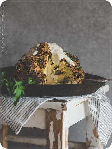 Rezept Ganzer gebackener Blumenkohl aus dem Ofen mit Kräutersauce