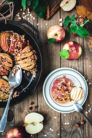 Rezept Gebackene Hasselback-Äpfel mit Müslicrunch