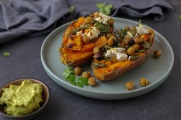 Rezept Gebackene Süßkartoffel mit Kichererbsen, Spinat & Ziegenkäse